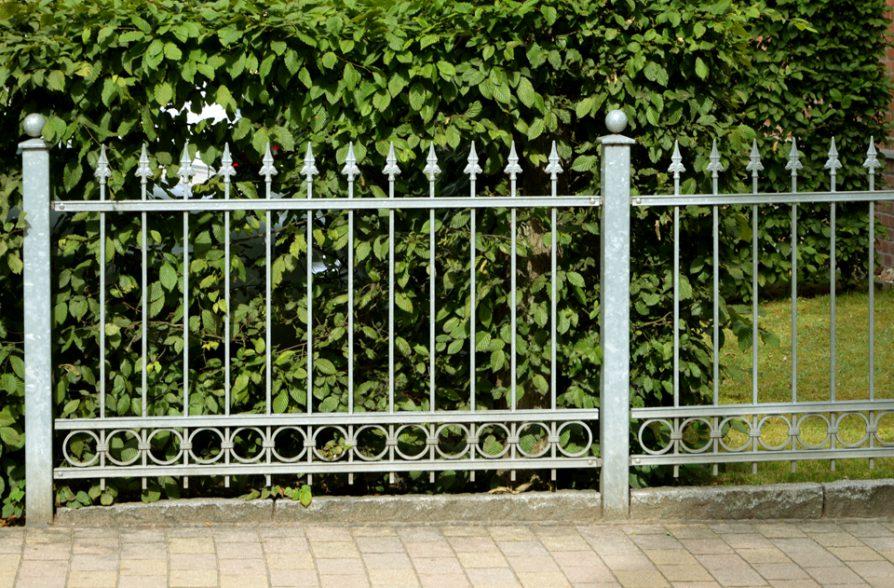 Gartenzaun Staketen verzinkt